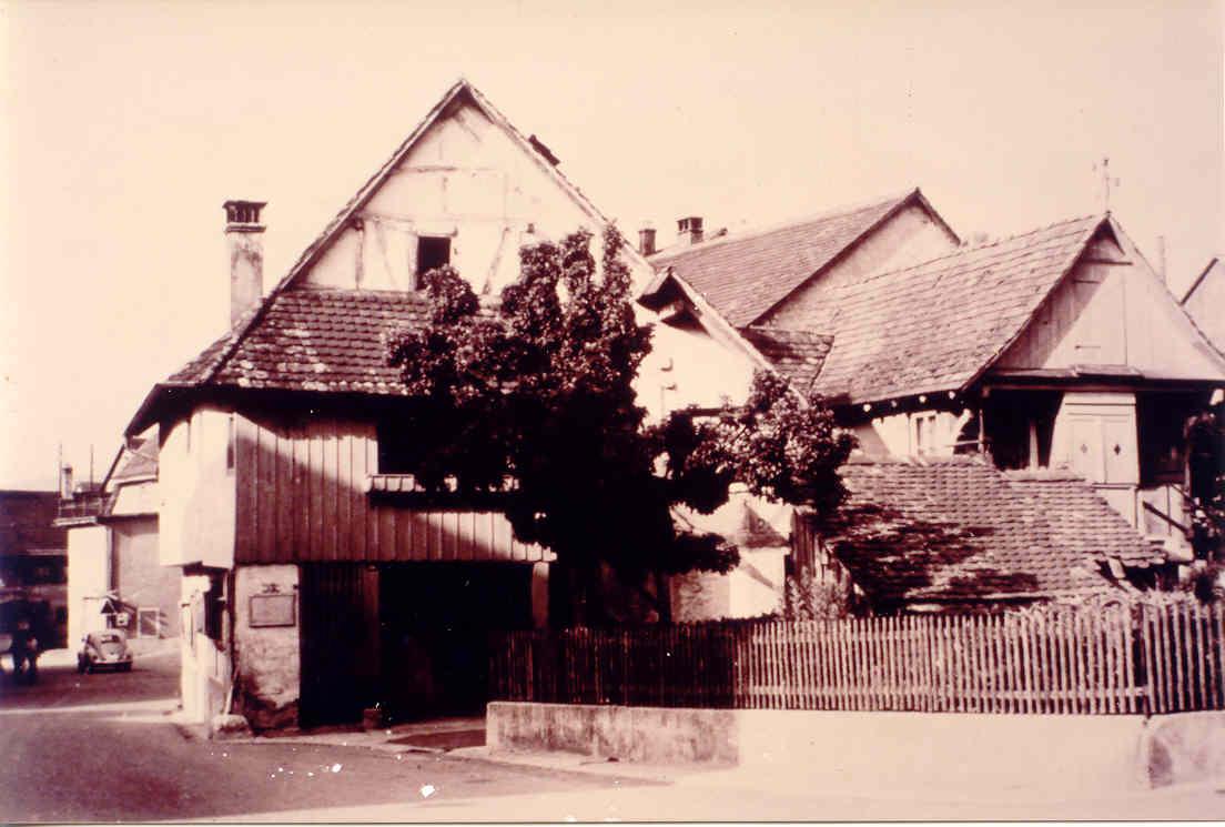 Beringen Burgerhuesli Rothuesli