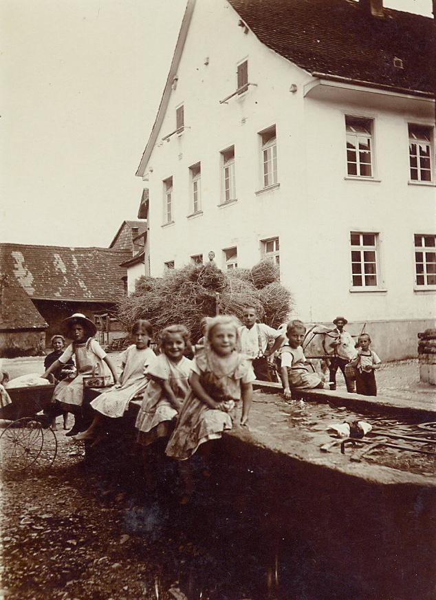 Brunnen Altes Schulhaus